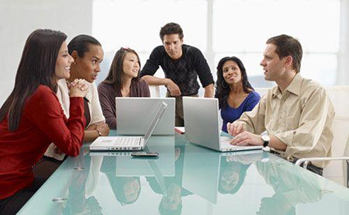 10 consejos para avanzar profesionalmente usando las redes for Servicio de empleo