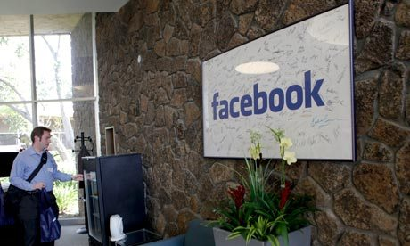 Facebooks-headquarters-in-007