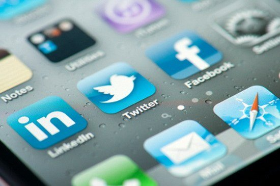 G@T-Facebook-and-Twitter-Apps