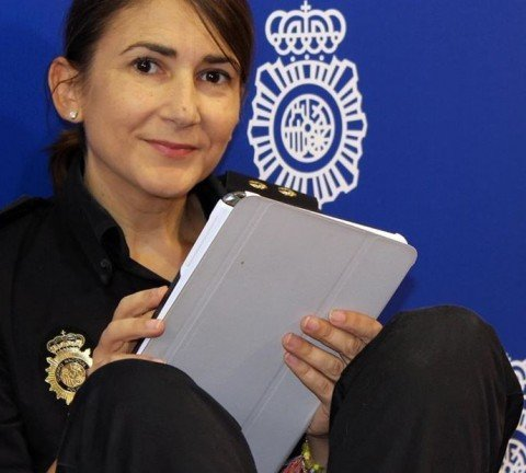 Carolina González Policia