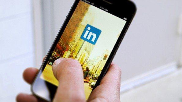 LinkedIn: cómo buscar trabajo sin que se entere el jefe en España