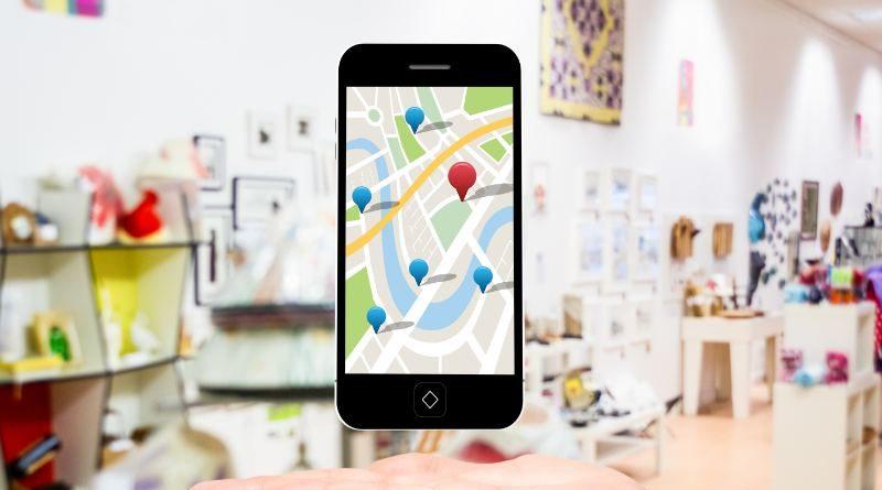Teléfono móvil con aplicación Google Maps