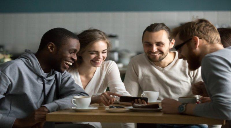 vídeos online estudiantes jóvenes millenials